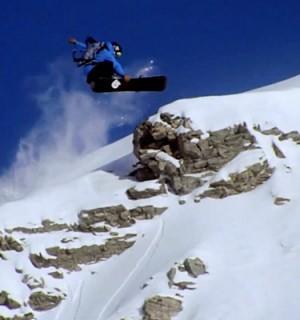 Terje Haakonsen no necesita presentación. Después de muchos años sigue demostrando su fluidez y técnica en las grandes montañas. Las imágenes en Standing Sideways, la nueva película de Burton Snowboards, son un espectáculo.