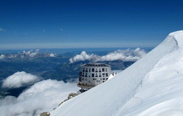 Debido al mal tiempo se han producido algunos retrasos que han obligado a posponer su apertura hasta el 2013.