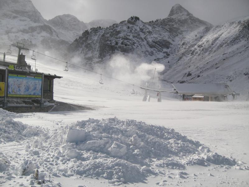 Primeras aperturas y fotos de la nevada