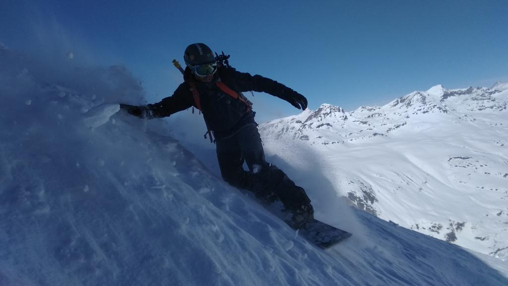 Conociendo la bajada de Pointe d'Andagna en el glaciar de Vallonet.