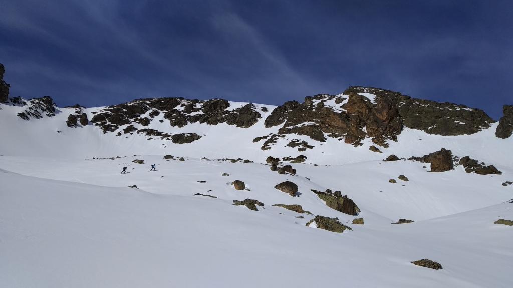 Barrera de rocas de la ante-cima del Pic de l`Albe
