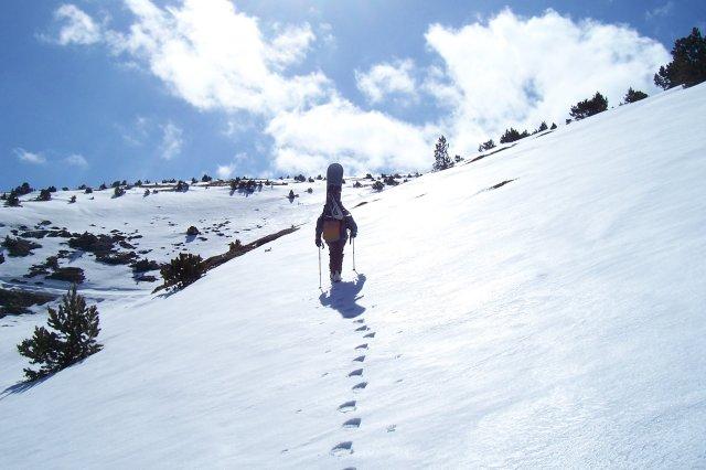 Después de pasar la primavera más seca de los últimos inviernos, y viendo que la nieve se fundía a marchas forzadas, veia que se nos estaba escapando el objetivo principal que ...