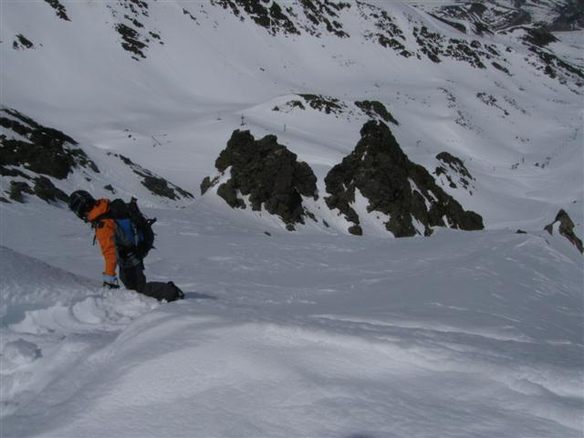 La temporada 2006-2007 fue penosa en cuanto al snowboard de montaña en el pirineo oriental, y la 2007-2008 ligeramente mejor, pero en la línea de la anterior. Espero que no haya dos sin tres.Aún así, algunas cosas hemos podido hacer...