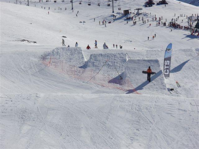Imágenes de los módulos y kickers del nuevo y completo snow park de Alto Campoo
